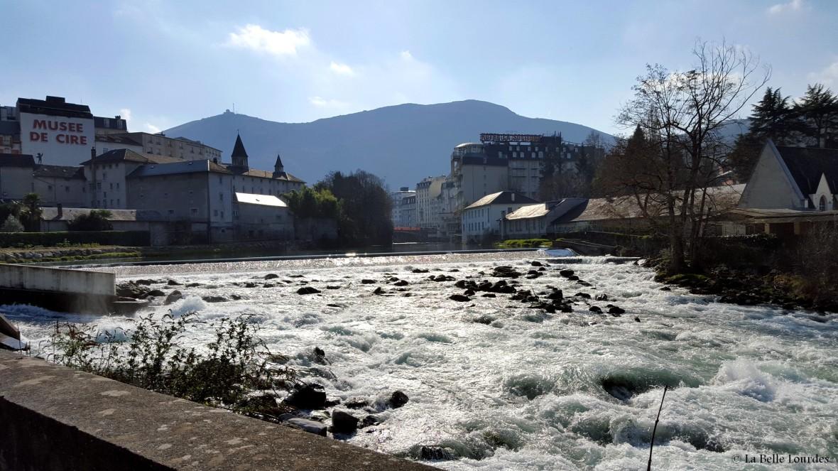 Quai Saint Jean - Le Gave La Belle Lourdes