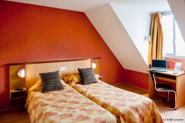 Chambres simples, doubles ou triples hôtel Tara*** Lourdes