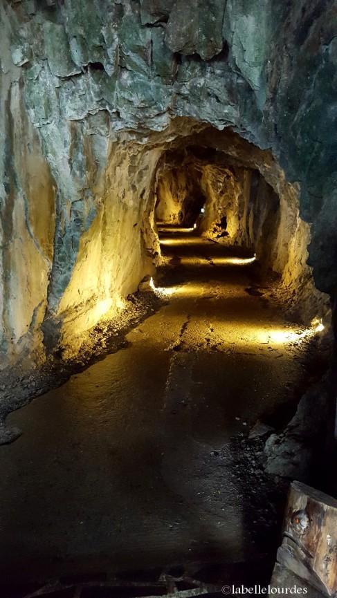 L'entrée des grottes