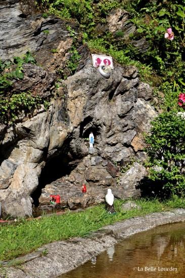 La grotte à l'époque de Bernadette